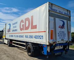 gesloten opbouw oplegger Renders 1 AS - STUURAS - LAADBRUG DHOLLANDIA 2T - 2000 2000