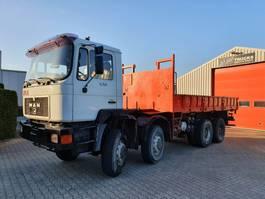 open laadbak vrachtwagen MAN 35.372 VFAK 8x8 1991