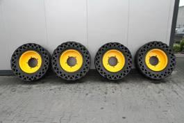 banden equipment onderdeel Solide al SOLID TYRES 4 UNITS