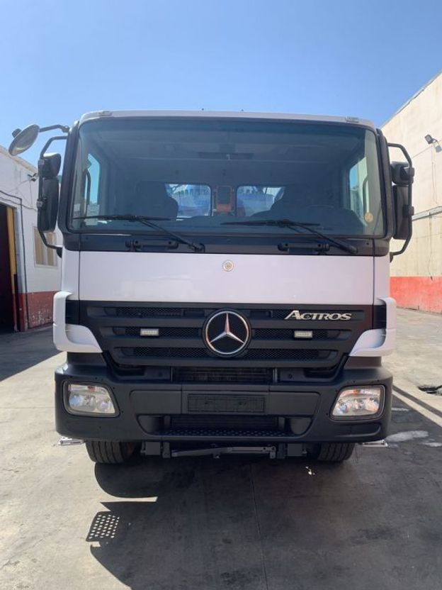 betonpomp vrachtwagen Mercedes-Benz actros 4144 Putzmeister 47-5 2010