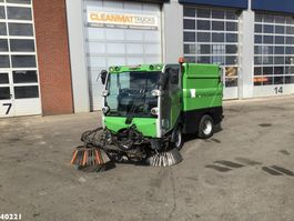 Veegmachine vrachtwagen Bucher CityCat 2020 with 3-rd brush 2013