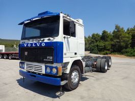 chassis cabine vrachtwagen Volvo F12 (6X2) 1983