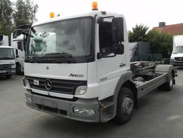 containersysteem vrachtwagen Mercedes Benz Atego 1324 L met containersysteem 2007