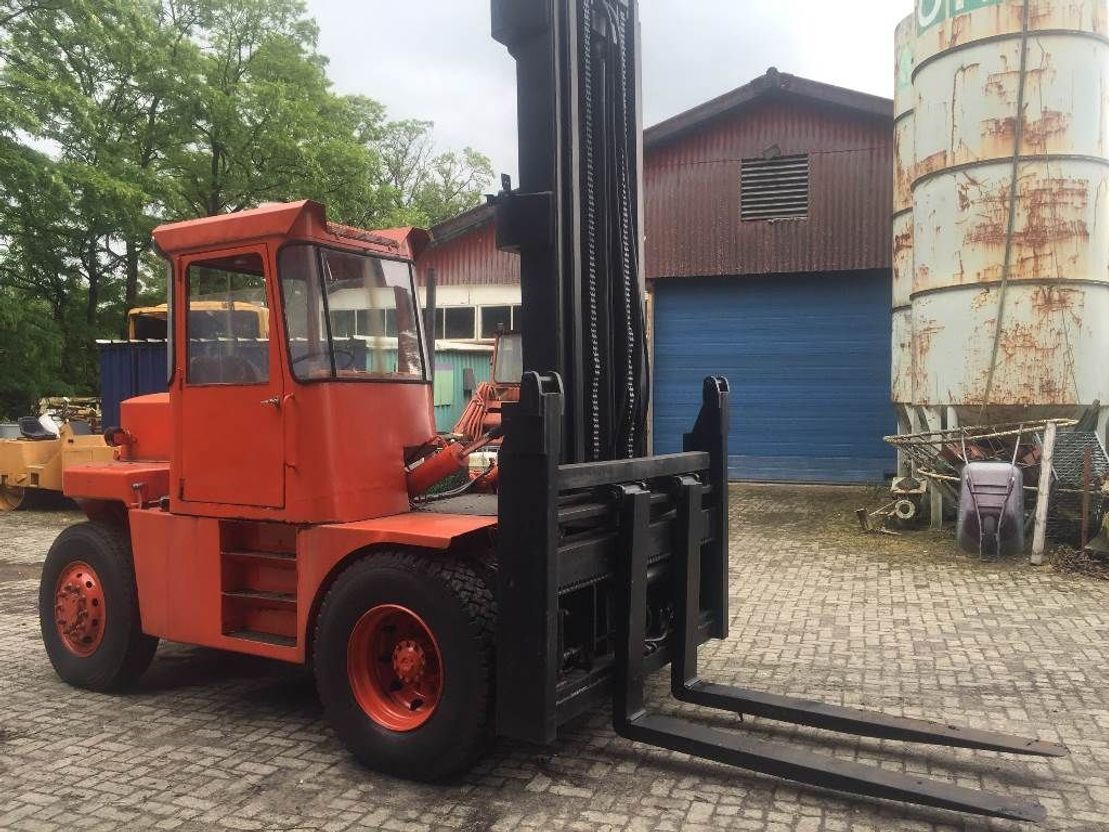 vorkheftruck LMV 10 ton 1980