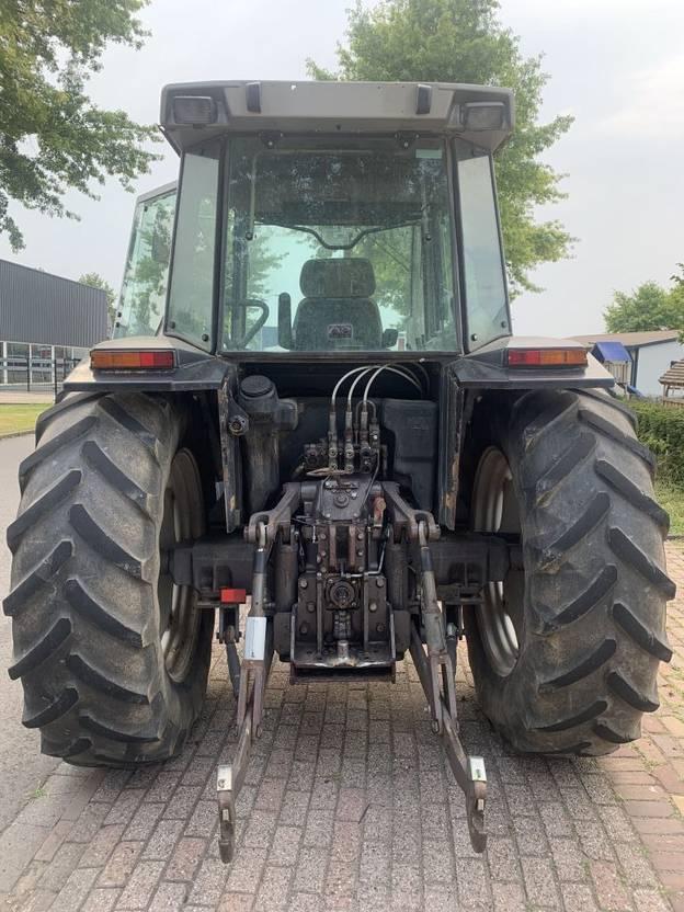 standaard tractor landbouw Massey Ferguson Massey ferguson 4x4 3120 1995