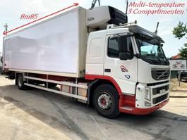 koelwagen vrachtwagen Volvo FM 330 - CARRIER SUPRA 1000 Multi-Temperature - 3 compartiments / 3 zone... 2013