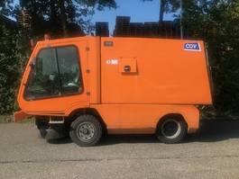 Veegmachine vrachtwagen Tennant A80 2009