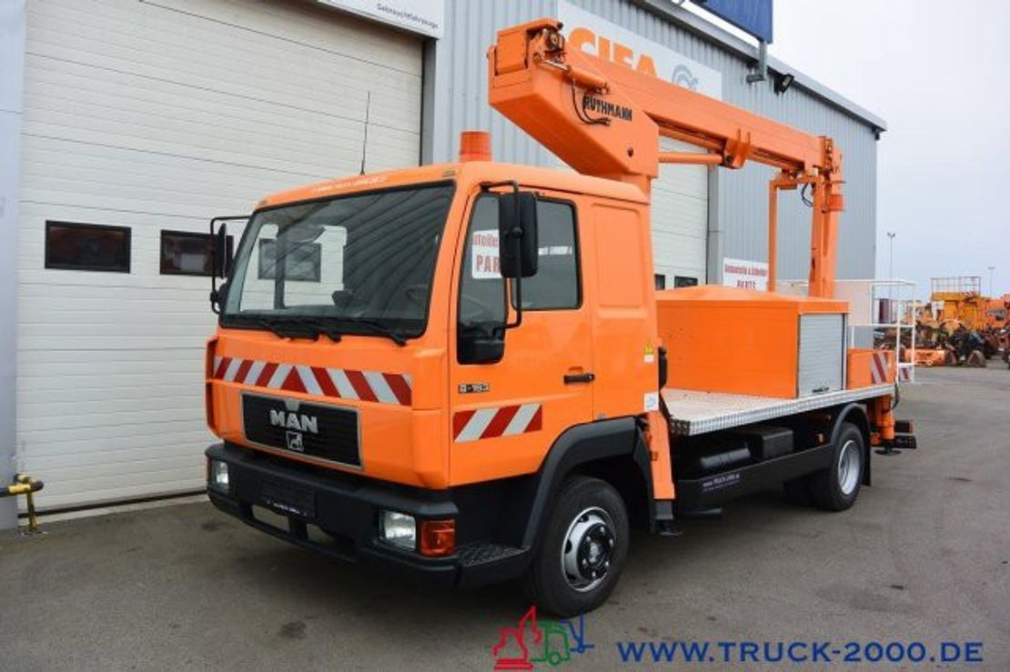 autohoogwerker vrachtwagen MAN 8.163 Ruthmann 17.3 m Arbeitshöhe 10 m seitlich 2000
