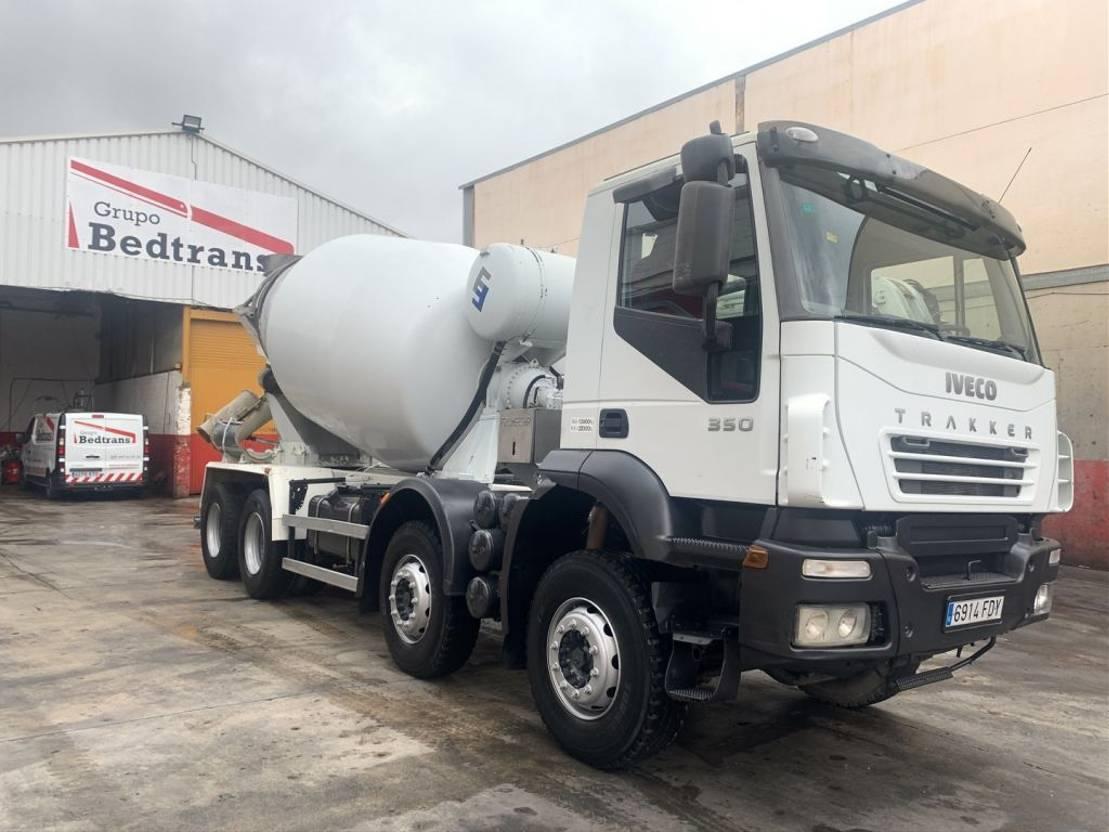 betonmixer vrachtwagen Iveco Trakker 350 Frumecar 9m3 2006