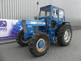 standaard tractor landbouw Ford 9600 4WD