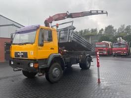 kipper vrachtwagen > 7.5 t MAN 18.284 4 x 4 kipper - FASSI F 150 2000