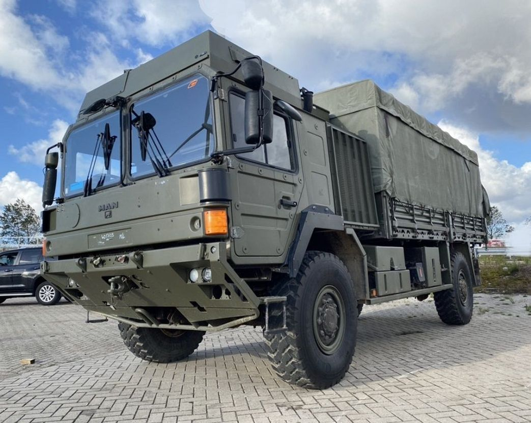 leger vrachtwagen MAN HX 18.330 2009