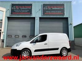 gesloten bestelwagen Peugeot PARTNER 1.6 HDI Airco schuifdeur Trekhaak 2012