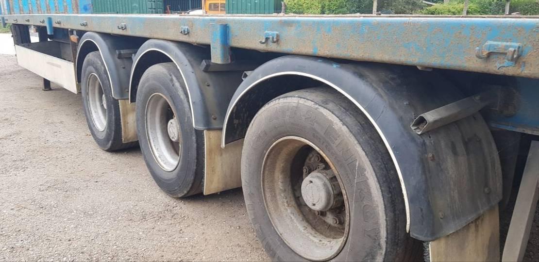 semi dieplader oplegger Krone 3 axel semi  drum brakes 1999