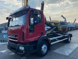 containersysteem vrachtwagen Iveco EUROCARGO 150E28 4X2 EURO 5 + PALIFT T 13 2010