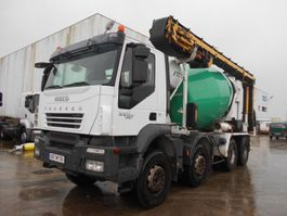 betonmixer vrachtwagen Iveco Trakker 2007