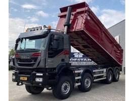 kipper vrachtwagen > 7.5 t Iveco Trakker 37.450 + Euro 6 + Kipper + PTO + 8X8 + blad-blad 2016