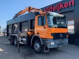 containersysteem vrachtwagen Mercedes Benz ACTROS 3336 6X4 - HOOK CONTAINER SYSTEM WITH CRANE TEREX ATLAS 165.2 2005
