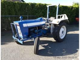 standaard tractor landbouw Ford 3000 1975