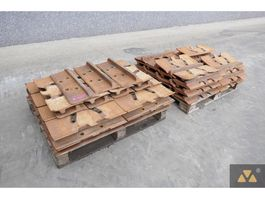 chassis equipment onderdeel Caterpillar Trackshoes D9T/D9R