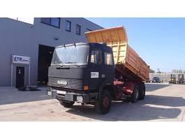 kipper vrachtwagen > 7.5 t Iveco Turbostar 330 - 36 (6 CYLINDER EN LIGNE / WATER COOLED) 1989