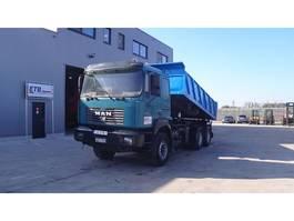 kipper vrachtwagen > 7.5 t MAN 27.464 (FULL STEEL / 6X4 / 6 CYLINDER) 2000