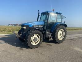 standaard tractor landbouw New Holland 8160 1996