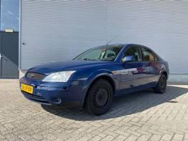 hatchback auto Ford MONDEO 1.8 16V Trend Airco (koud) NETTO PRIJS / NETTO PRICE! 2002