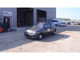 hatchback auto Renault Clio 1.2 i 1994