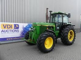 standaard tractor landbouw John Deere 4250