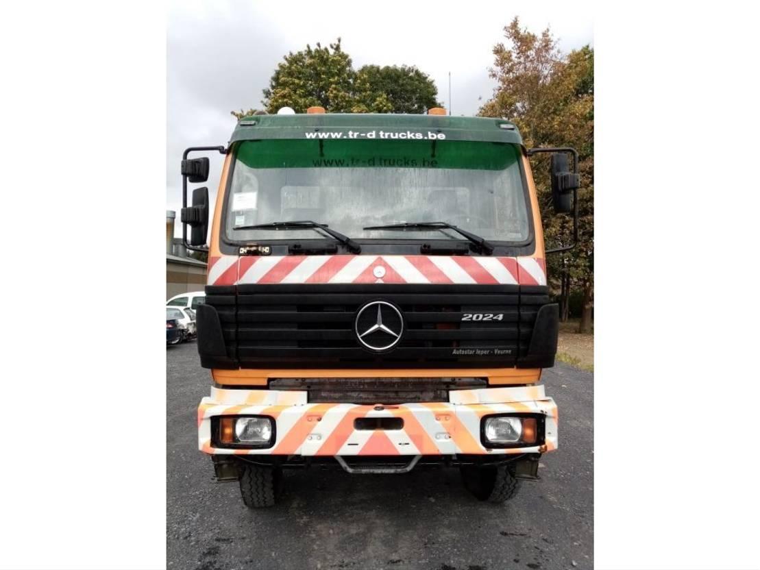 containersysteem vrachtwagen Mercedes-Benz SK 2024 4x4 met HIAB Kraan en KABELSYSTEEM 1996
