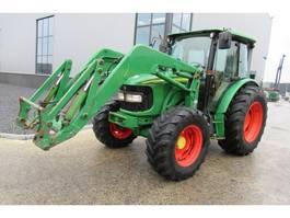 standaard tractor landbouw John Deere 5820 2007
