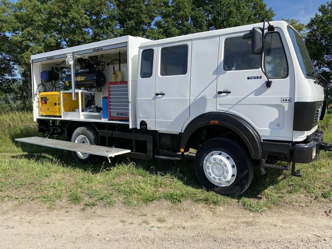 leger vrachtwagen Mercedes-Benz 1017 DOKA