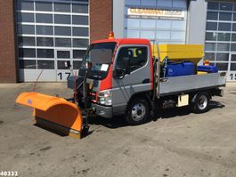 strooiwagen vrachtwagen Mitsubishi Canter 5S13 3.0 DI 250 Nido salt spreader + plough 2010