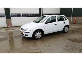 hatchback auto Opel Corsa 1.0-12V Full Rhythm 2005