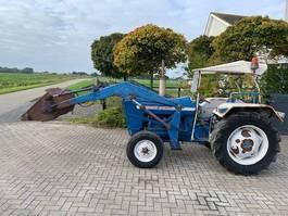 standaard tractor landbouw Ford t 3000