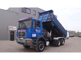 kipper vrachtwagen > 7.5 t MAN 27.403 (DOUBLE FUNCTION --> TIPPER AND TRUCKHEAD / 6X6 / STEEL SUSPENSION) 1995
