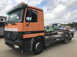 containersysteem vrachtwagen Mercedes-Benz Actros 2535 6X2 **HOOKLIFT-ABROLIPPER** 2002