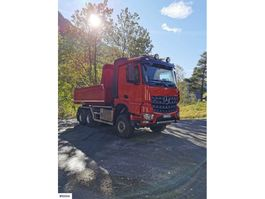 kipper vrachtwagen > 7.5 t Mercedes-Benz Arocs 6x6 w/ Dumper box and low KM 2015