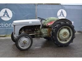 standaard tractor landbouw Massey Ferguson TEF