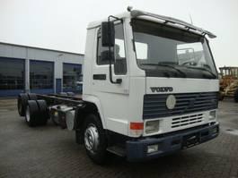 chassis cabine vrachtwagen Volvo FL12 340PK 6X2 10 TYRES STEEL SPRINGS 1998