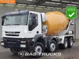 betonmixer vrachtwagen Iveco Trakker 340 AD340T41 8X4 Manual Big-Axle Steelsuspension 2007