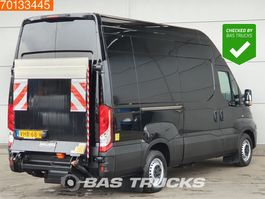 gesloten bestelwagen Iveco Daily 35S18 3.0 180PK Laadklep Luchtvering Airco Euro6 L2LH3 13m3 A/C Cruise c... 2017