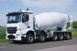 betonmixer vrachtwagen Mercedes-Benz Arocs 10x4 naloopas 49-ton met Stetter betonmixer 15m3 2020