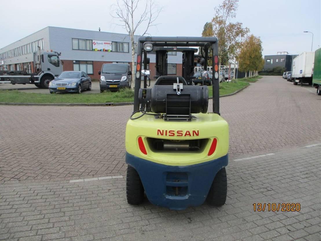 vorkheftruck Nissan 35 UGL LPG-BENZINE 3,5 TONS HEFTRUCK 2007