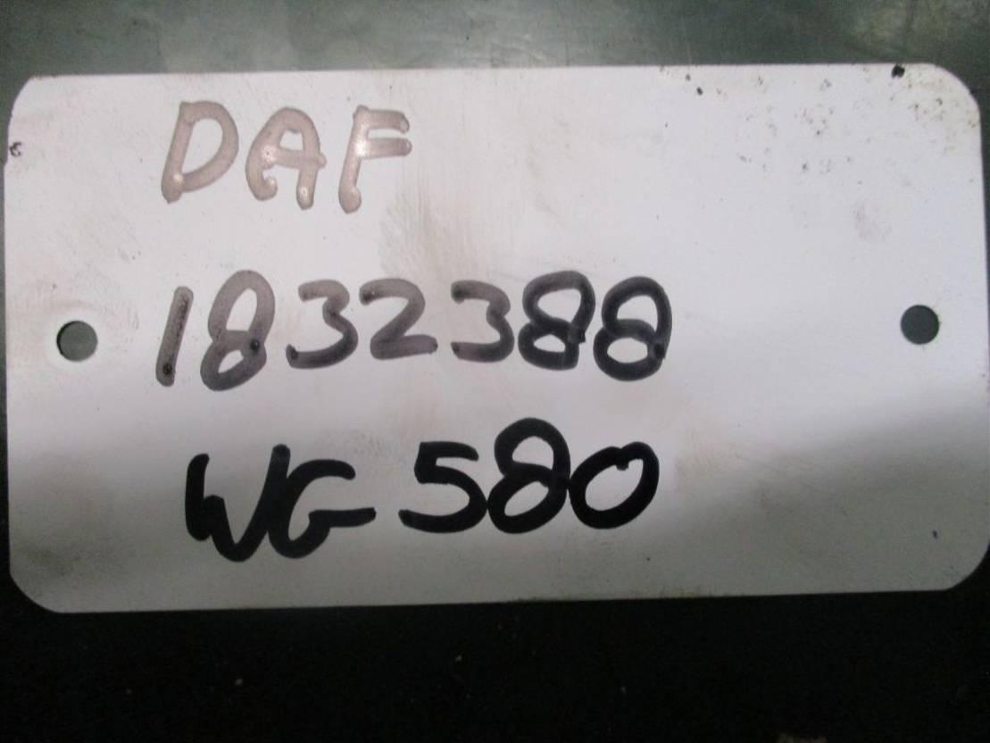Koplamp vrachtwagen onderdeel DAF 1832388 koplamp daf lf 55