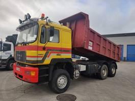 kipper vrachtwagen > 7.5 t MAN 33-402 DFA 6X6 TRACTOR / KIPPER MIXTE DOUBLE USE 1994
