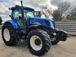 standaard tractor landbouw New Holland T7030 2008