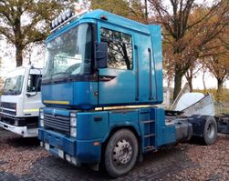 standaard trekker Renault Magnum 480 2002