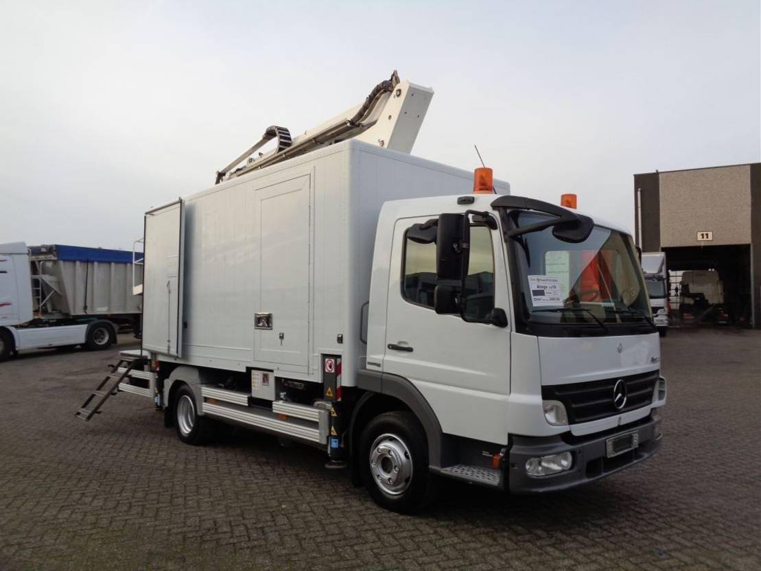 autohoogwerker vrachtwagen Mercedes-Benz Atego 1018 + Manual + PTO + PLATFORM 2009